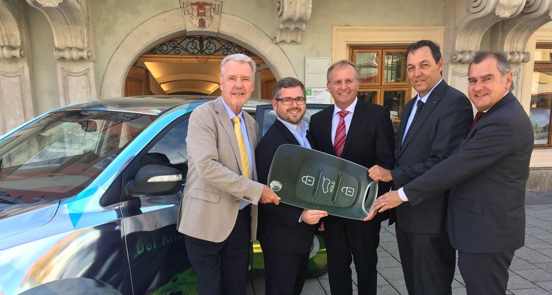 Ein neuer ix35 FCEV für die NÖ Landesregierung