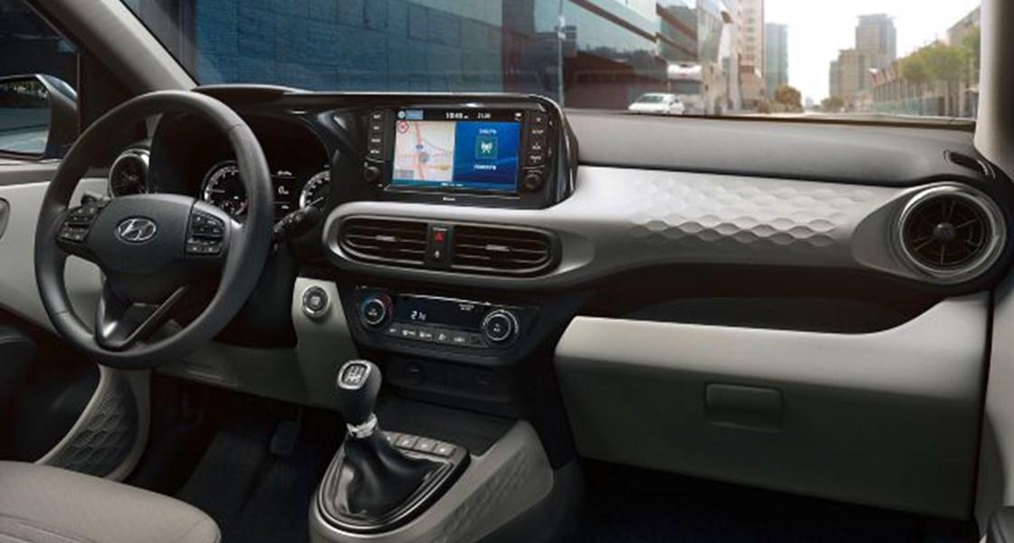 M24 1 AC3 interior dashboard GLS TOP ShaleGreyYPK 4x3