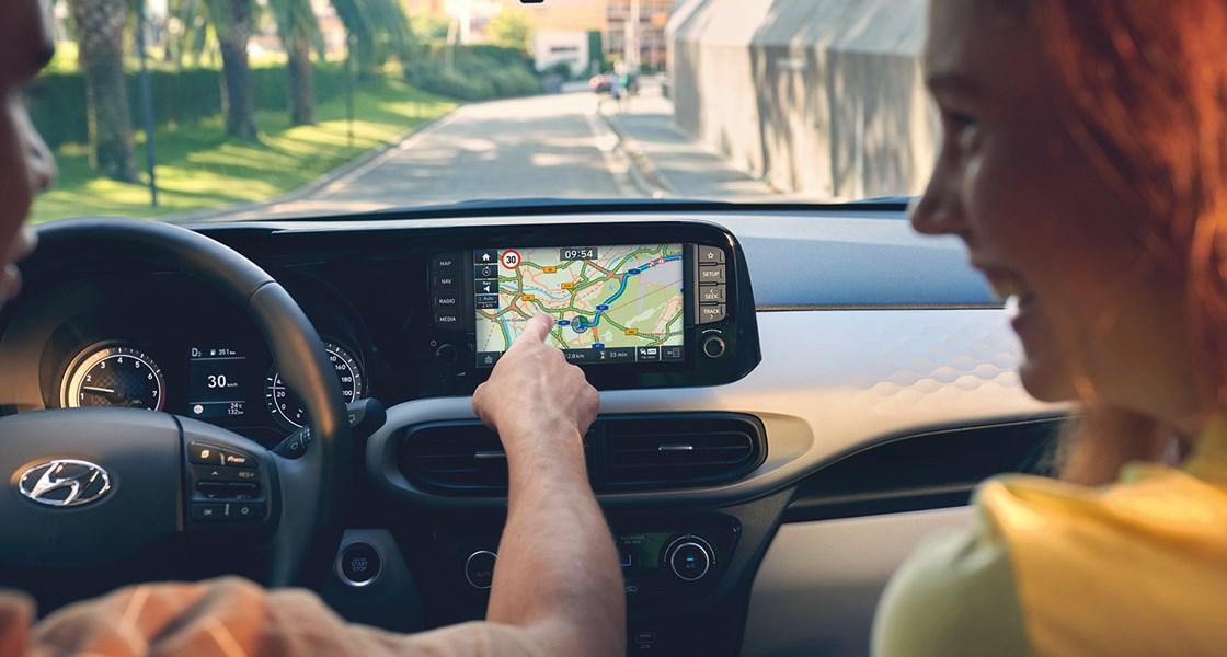 Hyundai i10 Protagonist using live traffic CMYK