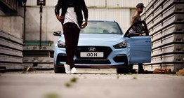 i30n-pdn-gallery-front-view-blue-parked-two-man-pc